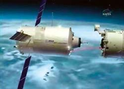 Стыковка со станцией (фото NASA)