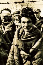 Заключенные концентрационного лагеря Освенцим
