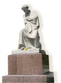 Скорбящая мать Трептов-парк. Берлин