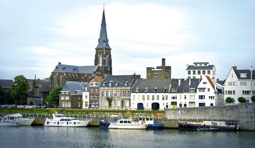 В этом городе в 1991 году был заключен Маастрихтский договор об экономическом и валютном союзе.