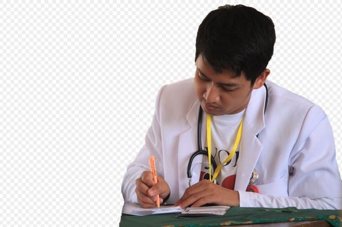 врач, выписывающий рецепт