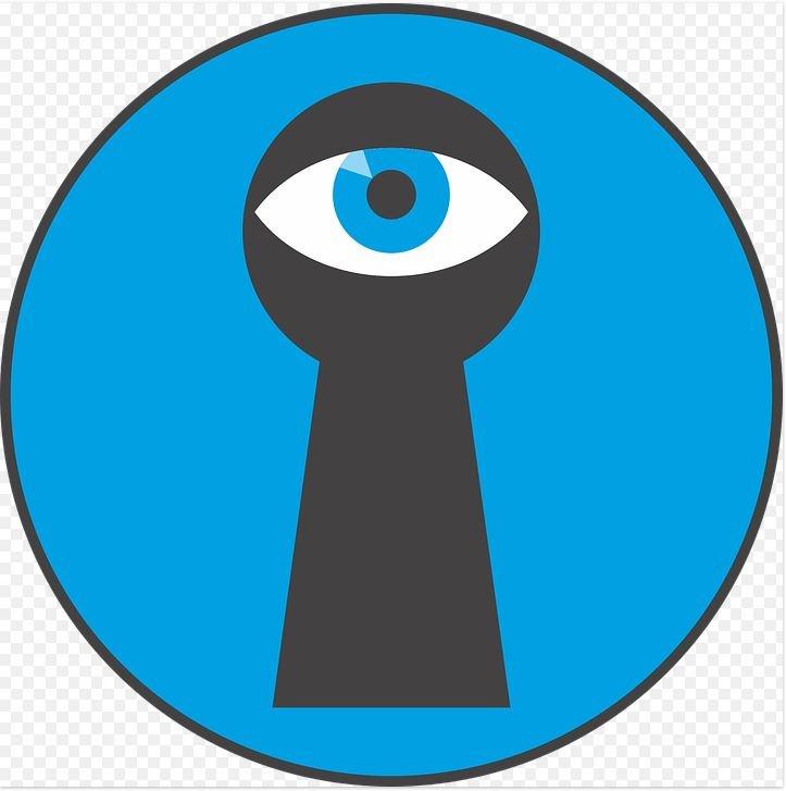 глаз в замочной скважине