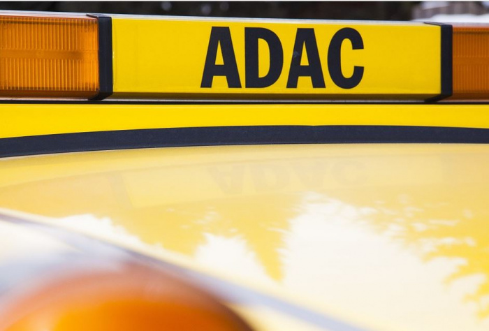 эмблема ADAC