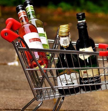 тележка с алкоголем