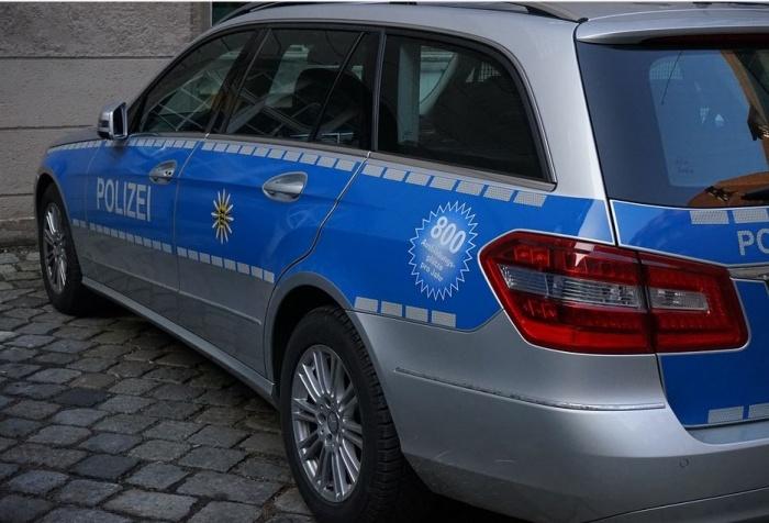 полицейский автомобиль